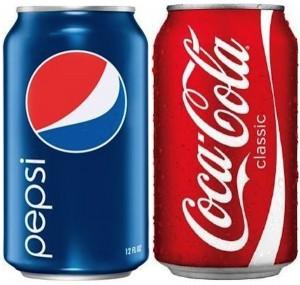 Coca Pepsi latas azul e vermelho